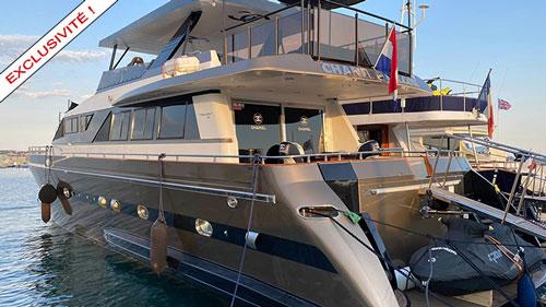 bateau à moteur occasion YACHT FALCON
